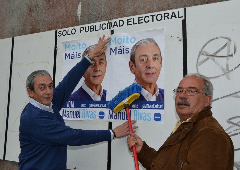 El candidato del PP de Cambre inició la pegada en O Temple.