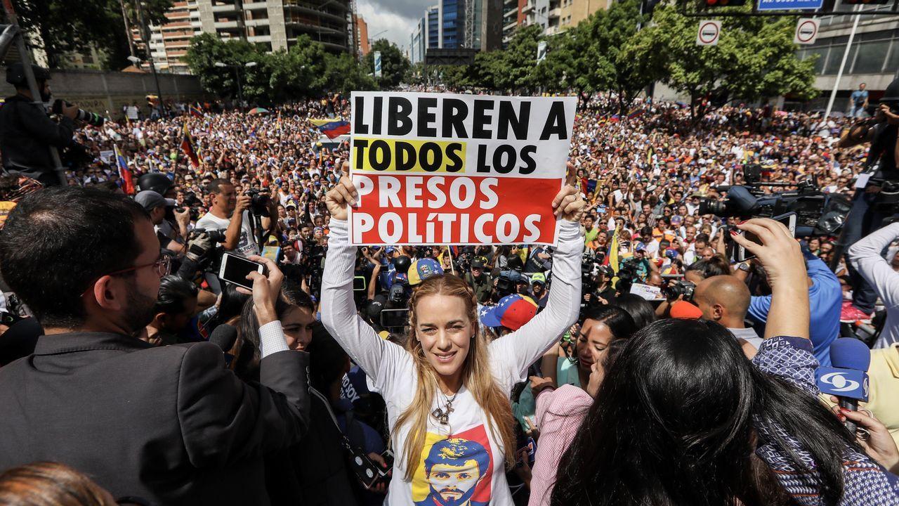 Pedro Sánchez: «La nación de naciones estaría formada por España, Cataluña, Galicia y País Vasco».Zapatero y Maduro, en una reunión celebrada en el 2016