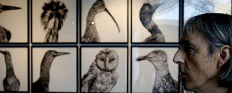 Manuel Vilariño inauguró la semana pasada la exposición «Mitologías» en el MAC y tiene otra muestra abierta en el antiguo edificio de Tabacalera, en Madrid.