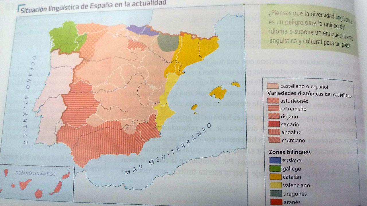 Marcha de los trabajadores de Alcoa en defensa del futuro de la planta de Avilés.Un libro de texto de Edelvives define el asturiano como un dialecto del castellano.