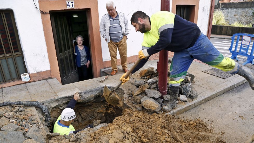 Récord de inundaciones en esta casa del barrio vigués de Teis