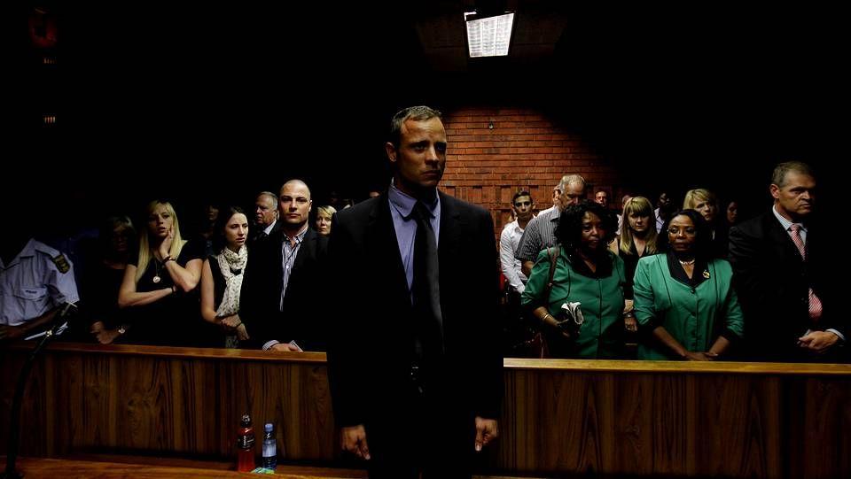 El histórico salto de Lavillenie.Pistorius durante una de sus declaraciones ante el juez