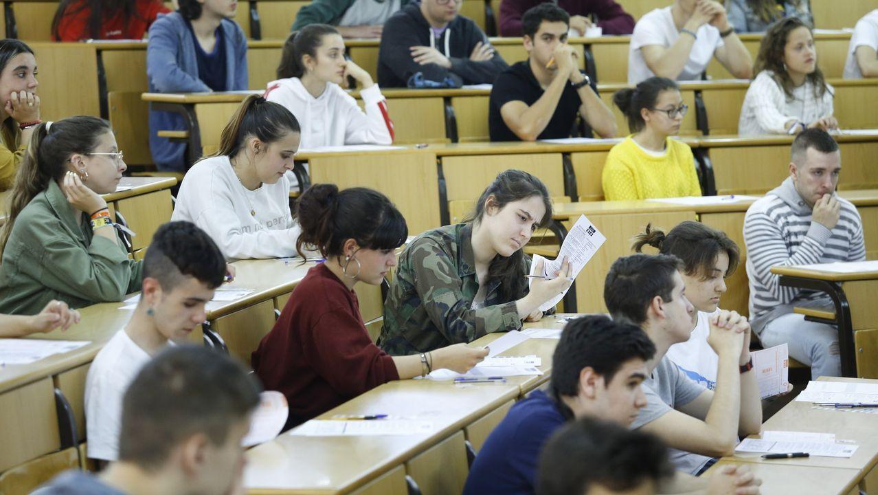 Estudiantes durante la prueba de selectividad