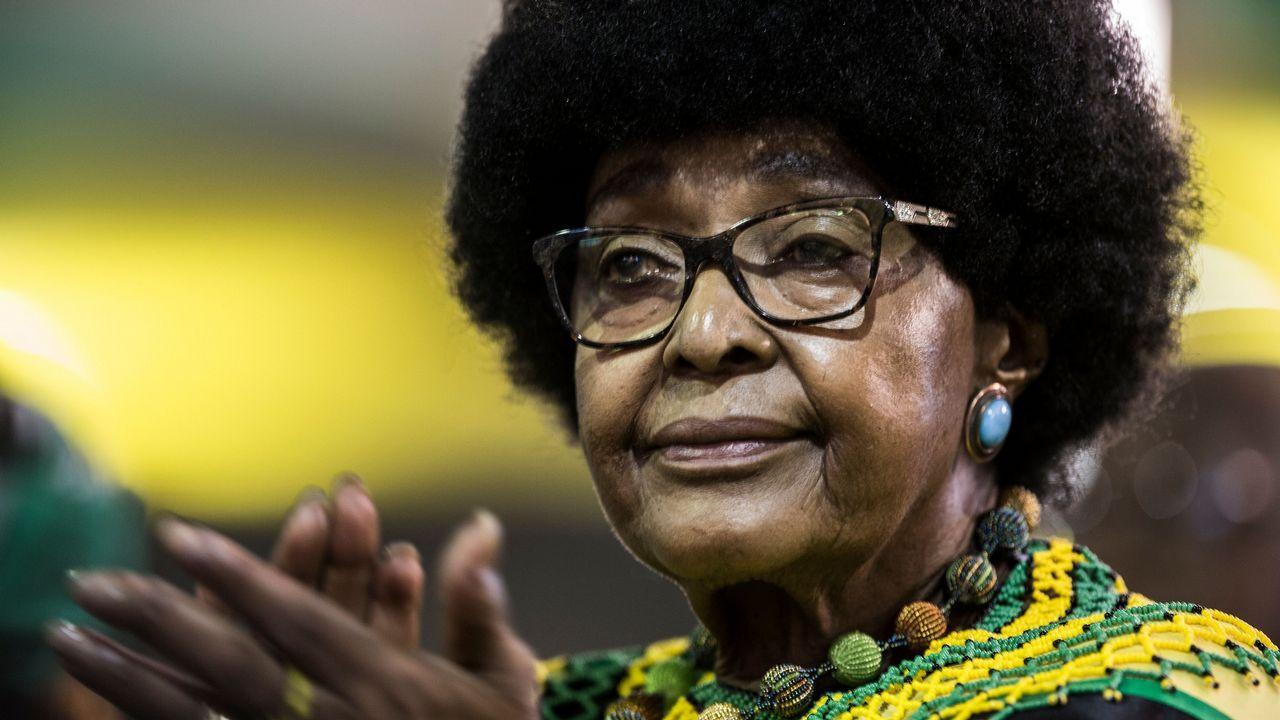 Una mirada hacia el interior de la mina.Winnie Mandela, en una imagen de septiembre del 2017