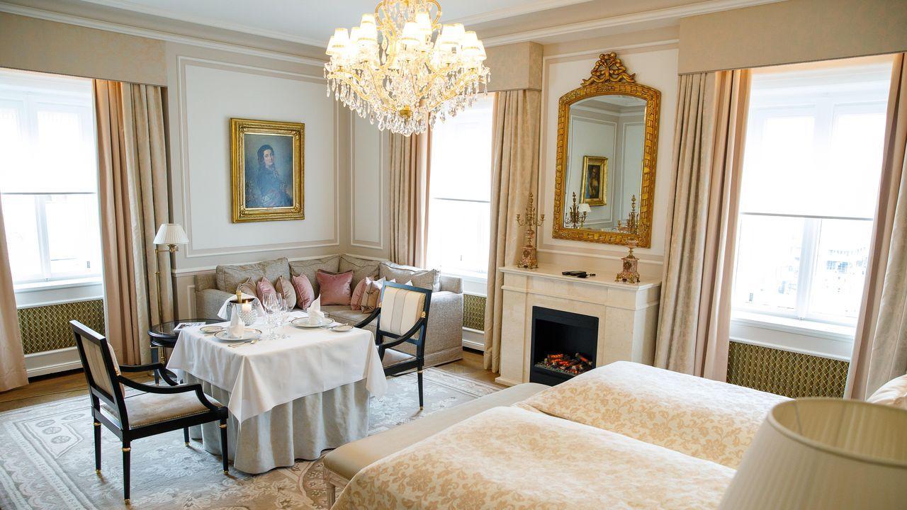 Así es el histórico hotel en el que se hospedaron desde Kennedy a John Lennon, y que ahora se reinventa.La princesa Estefanía, Andrea Casiraghi, Tatiana Santo Domingo y Pierre Casiraghi