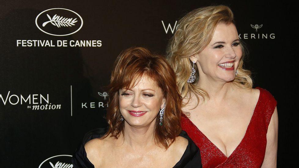 El elenco de «Julieta» se pasea por Cannes.Sean Penn y su hija Dylan Penn