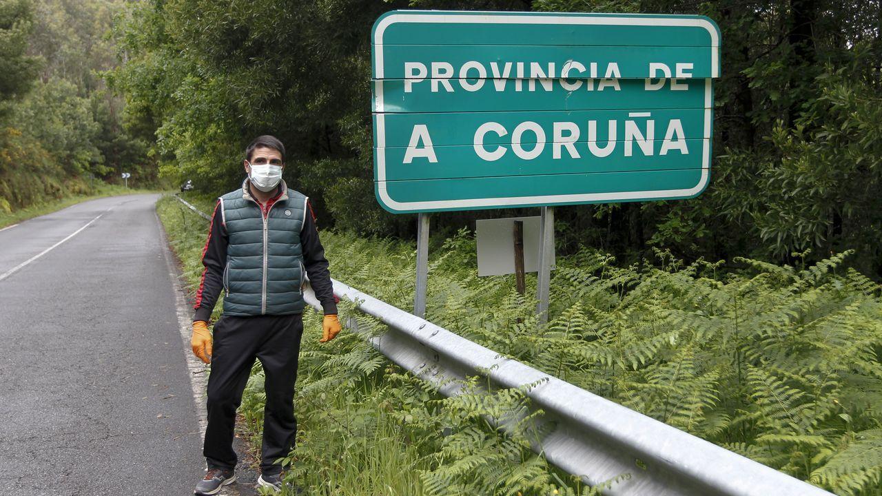 Cruza hasta cuatro veces de provincia en los 6 km que separan su aldea del centrode Pontecesures