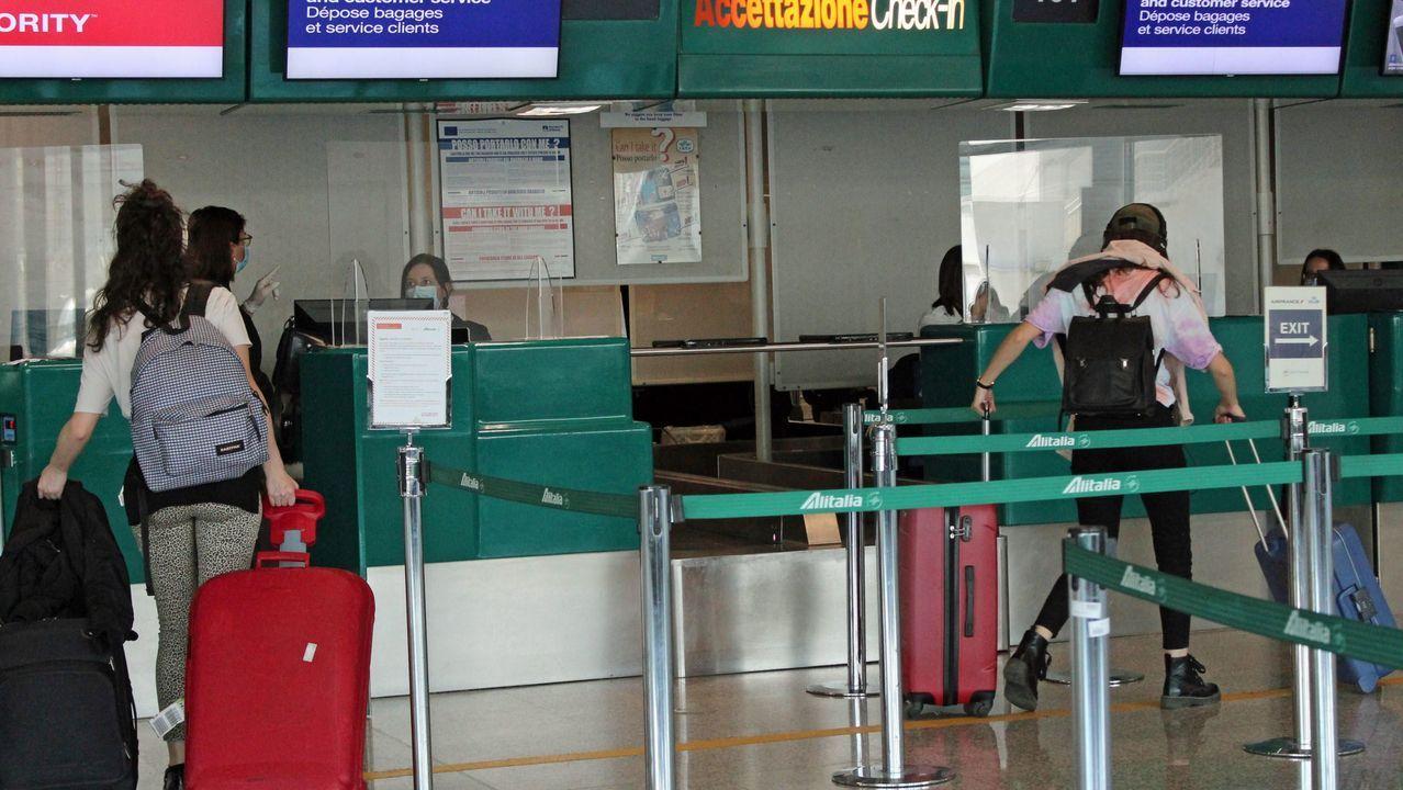 En el aeropuerto romano de Fimicino hoy despegó el primer vuelo de Air Fance Roma-París en dos meses