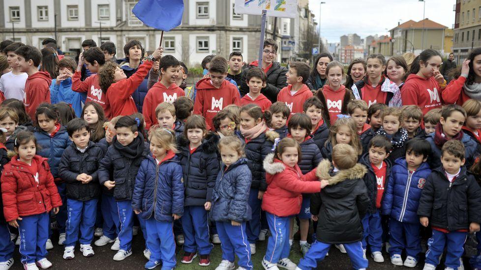 Las imágenes de «Galicia: un lugar para contemplar las estrellas».La Compañía de María tomó la plaza de España por el Día de la Paz
