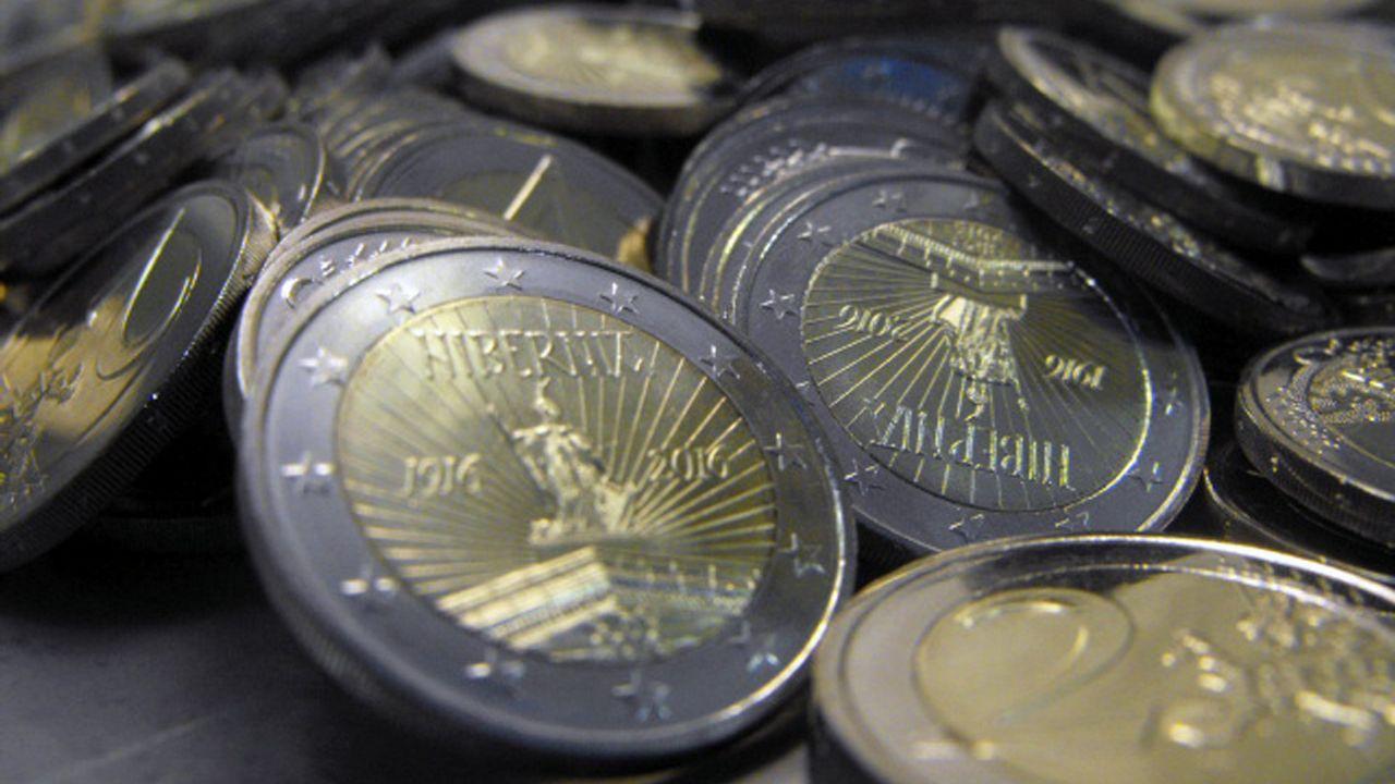 El gobernador del Banco de España advierte «problemas serios» en las pensiones.El gobernador del Banco de España, Luís María Linde