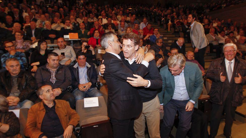 Guillermo Sánchez, Marcos Sánchez y Manuel Ramos. Marcos se presenta por el BNG y su padre y su tío en TEGA.