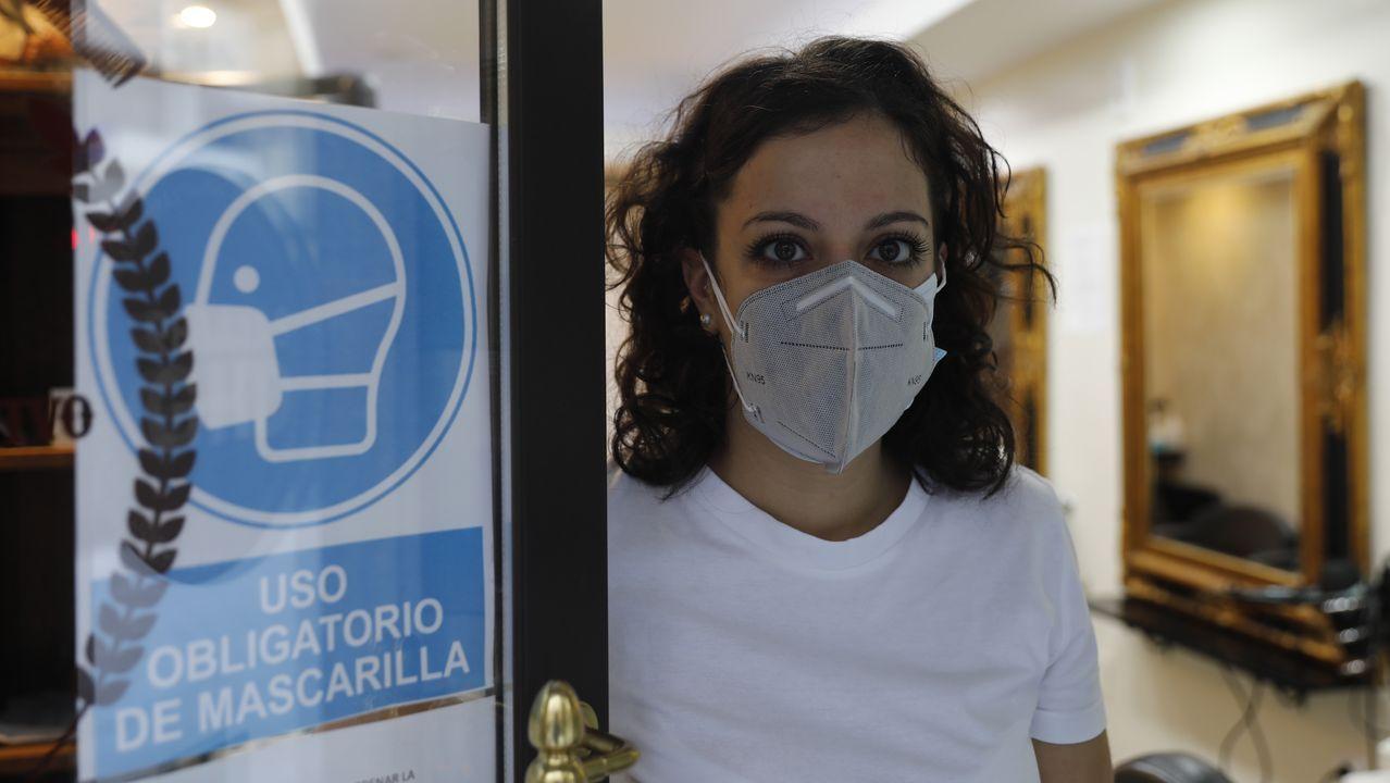 En algunos establecimientos advertían del uso necesario de mascarillas para acceder