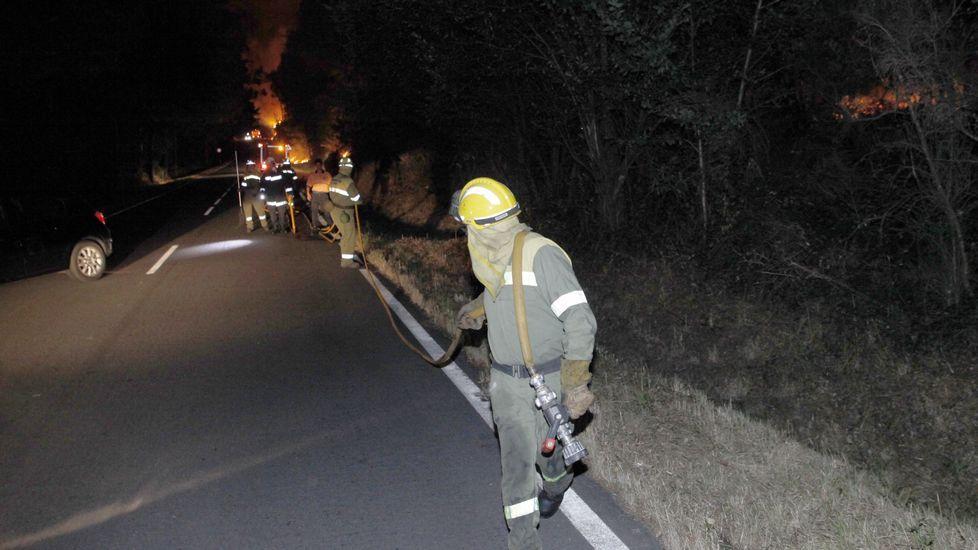 Así es un día en una brigada antiincendios.El incendio de Cualedro, anoche