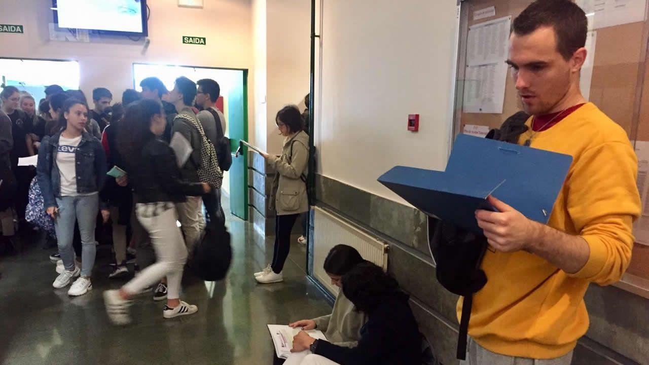 Repaso de última hora en la Facultade de Bioloxía de Vigo