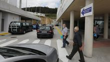 Según Sanidade, en las últimas horas se practicaron 43 PCR en el Hospital da Mariña, en la imagen de archivo