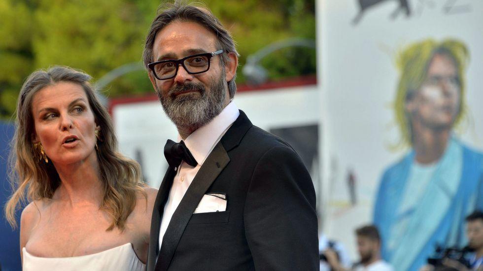 El director islandés Baltasar Kormakur y su esposa