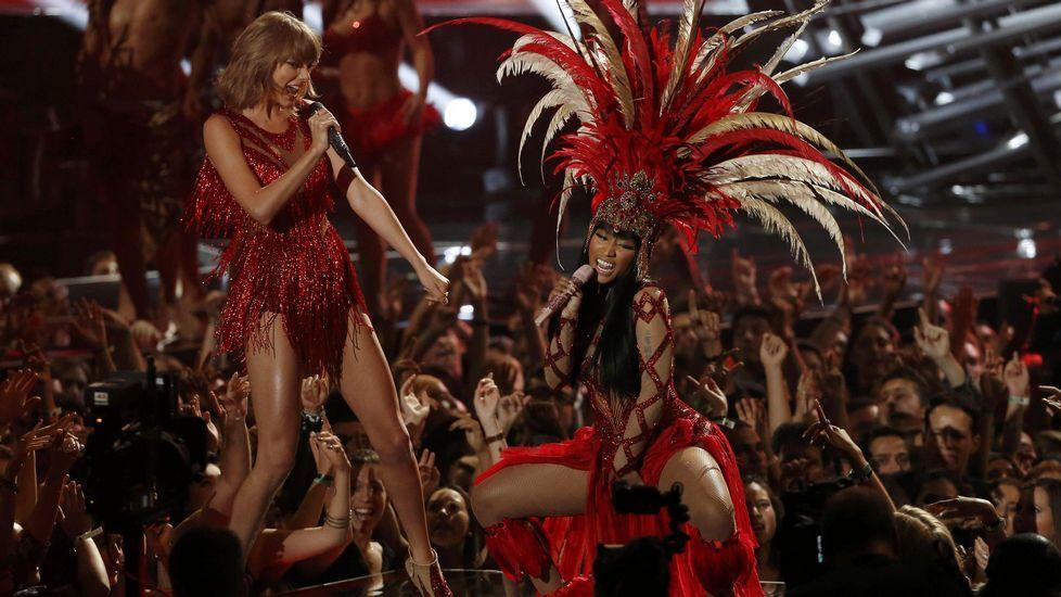 Taylor Swift y Nicki Minaj interpretan «Bad Blood»