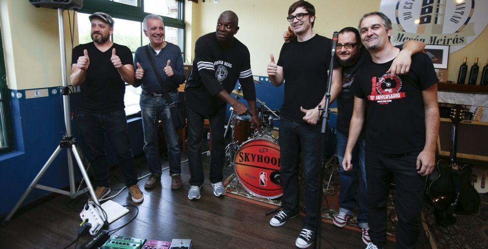 Danny en su estudio de grabación Río Records.