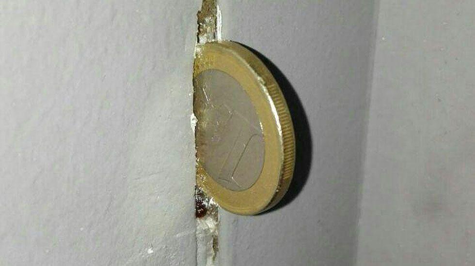 Grietas en las paredes de viviendas de Vipasa.Grietas en las paredes de viviendas de Vipasa