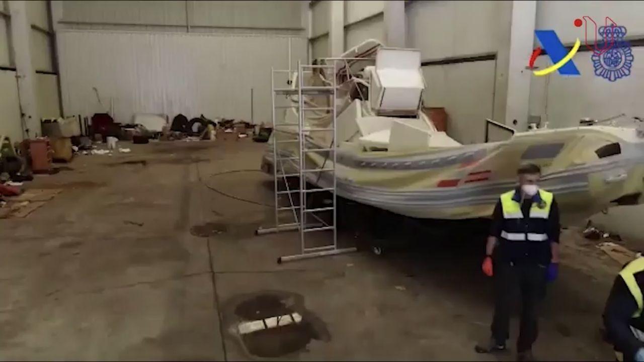 El buque lleva 12 meses atracado en A Laxe a la espera de que se decida su futuro. El armador y la firma propietaria son de Panamá, y anteriormente tuvo bandera de Togo y la empresa titular era de los EE.UU.