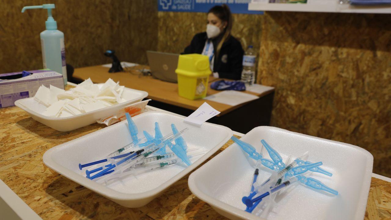Vacunación de un enfermo de diálisis en Ferrol