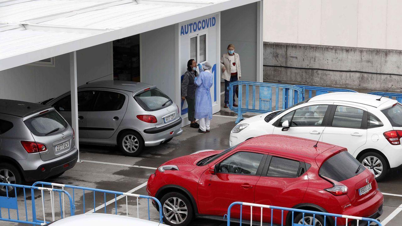 El autocovid instalado en el Hospital Universitario Central de Asturias (HUCA)