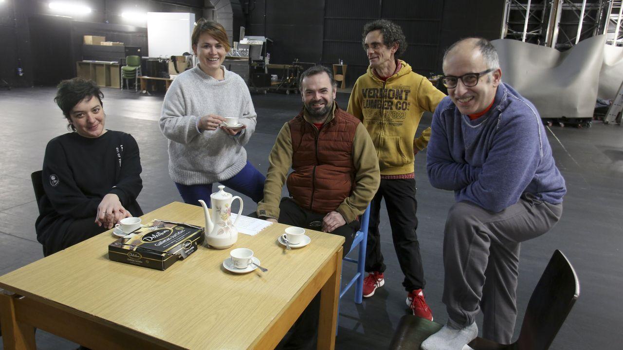 Marián Rei, Silvia Romaus, Agustín Bolaños, Alfonso Calleja y Josito Porto, en un ensayo de la obra