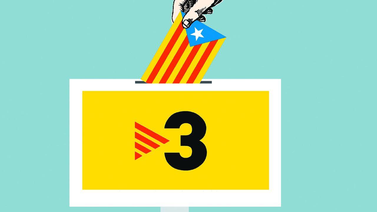 Abucheos a Pablo Iglesias en la estación de Sants de Barcelona.Protestas en las calles de Barcelona