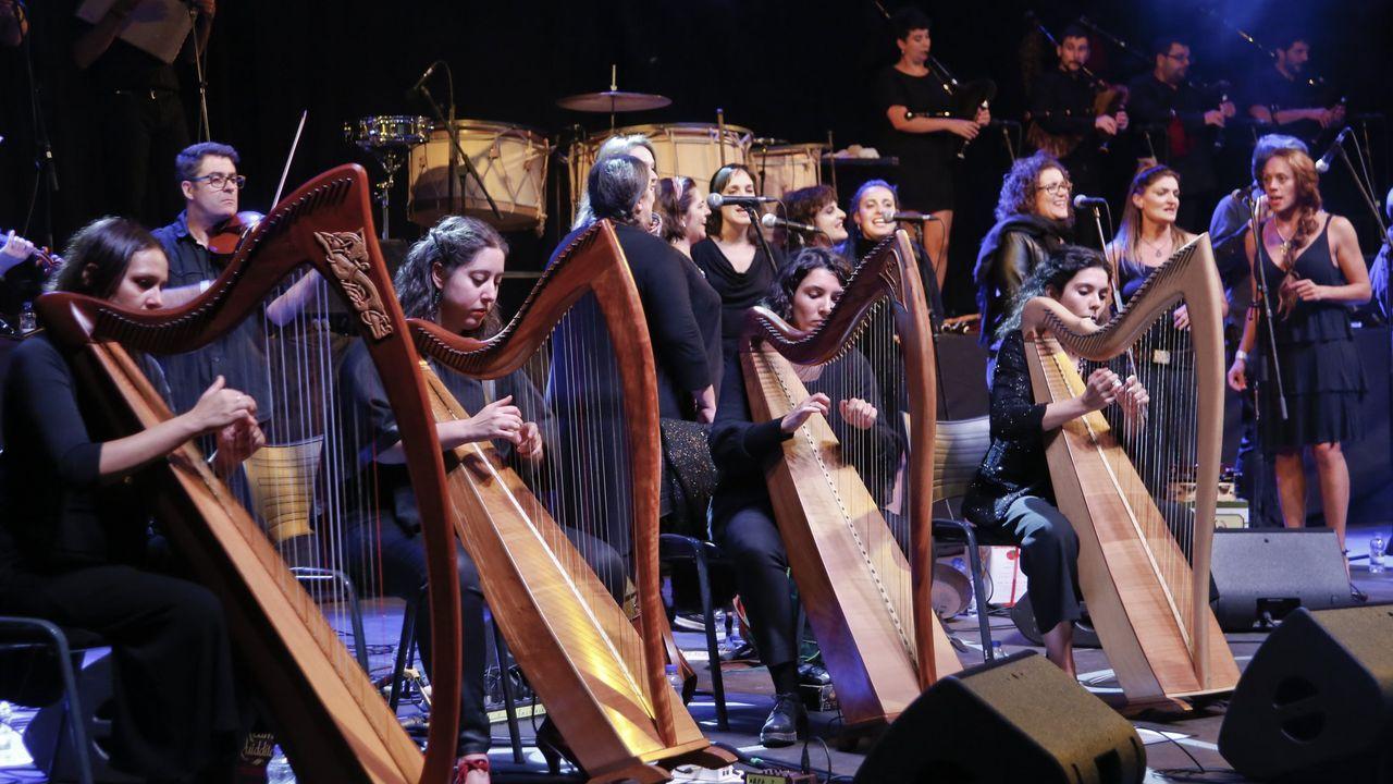El desfile de bandas de las naciones celtas, en imágenes.Una actuación de la Banda de Sober en la plaza del Concello, en una foto de archivo