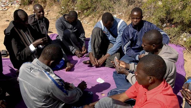 1000 inmigrantes intentan saltar la valla de Melilla