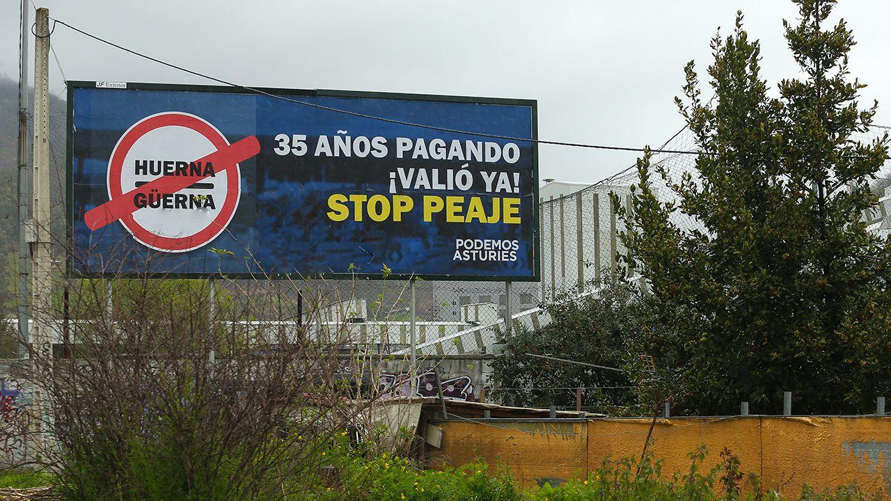 La autopista del Huerna.Vallas publicitarias contra el pejae del Huerna