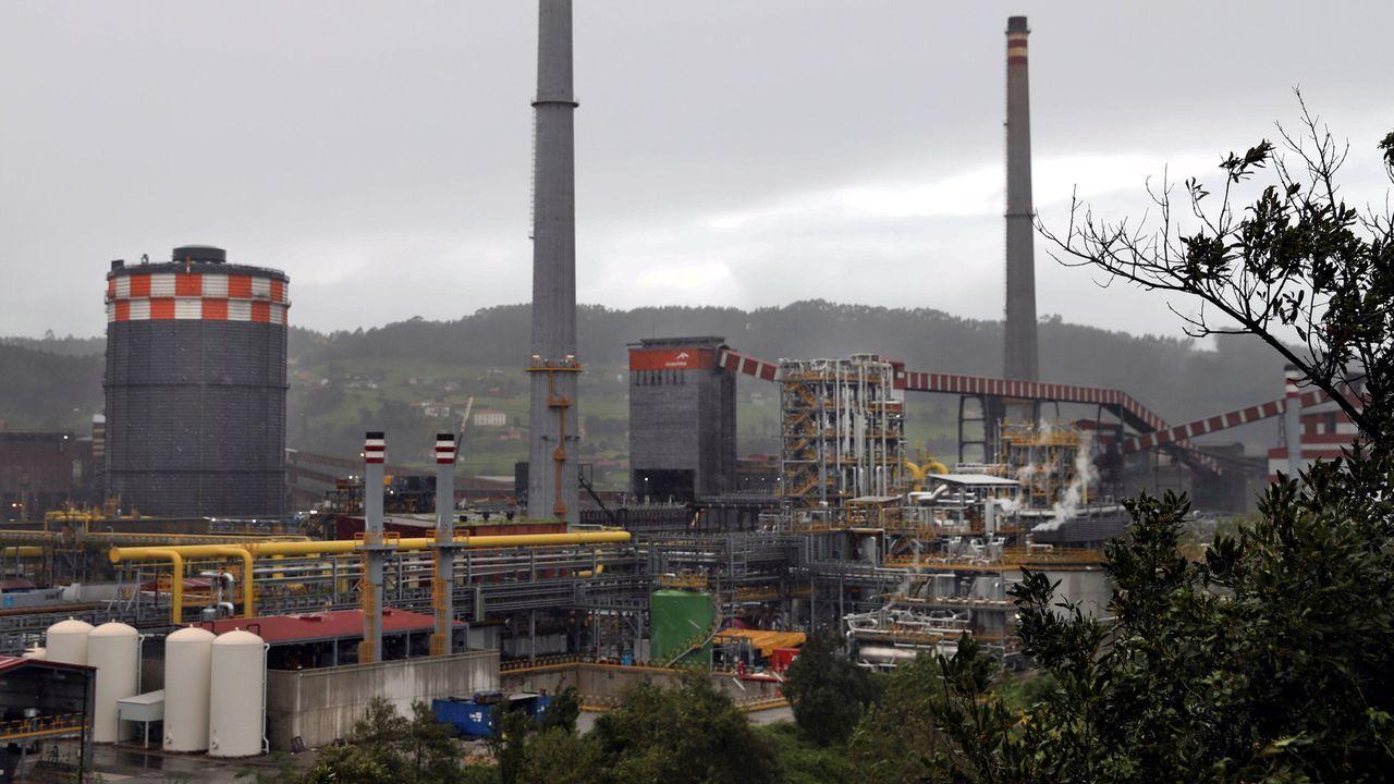 Imagen de la fabrica de Arcelormittal en Gijón