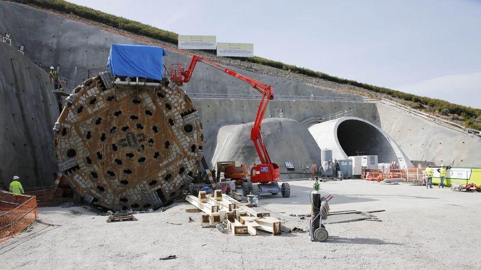 Así se construyen los túneles del AVE.Factoría de ArcelorMittal en Gijón