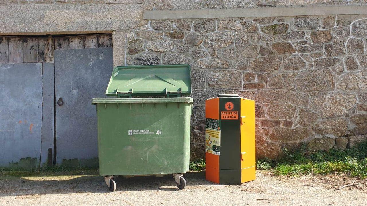 Postales ganadoras del concurso de Palas de Rei.Os contenedores de aceite usado instaláronse en varias parroquias