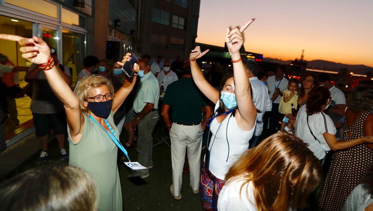 La fiesta del PP en la terraza del hotel Bahía