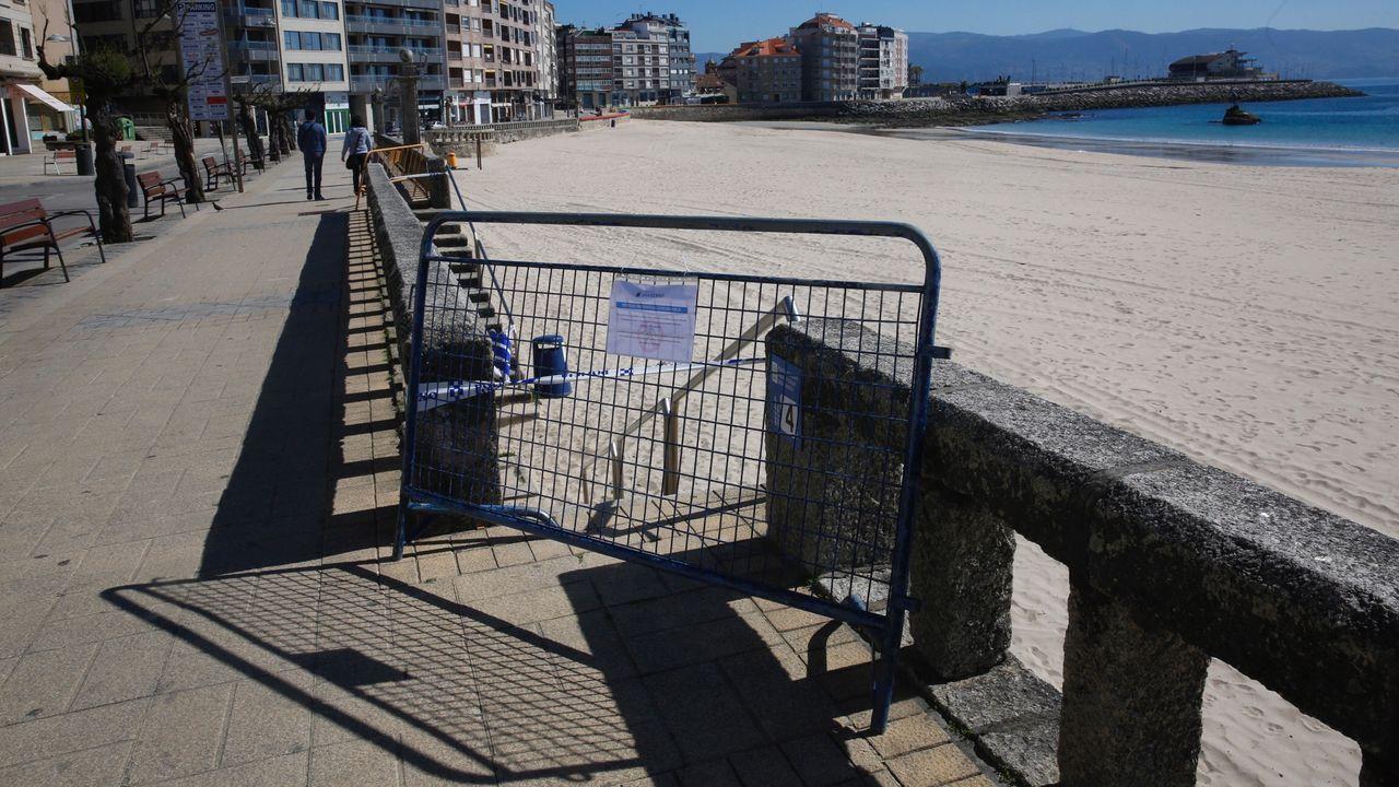 Playa de Silgar, en Sanxenxo, que ha sido cerrada