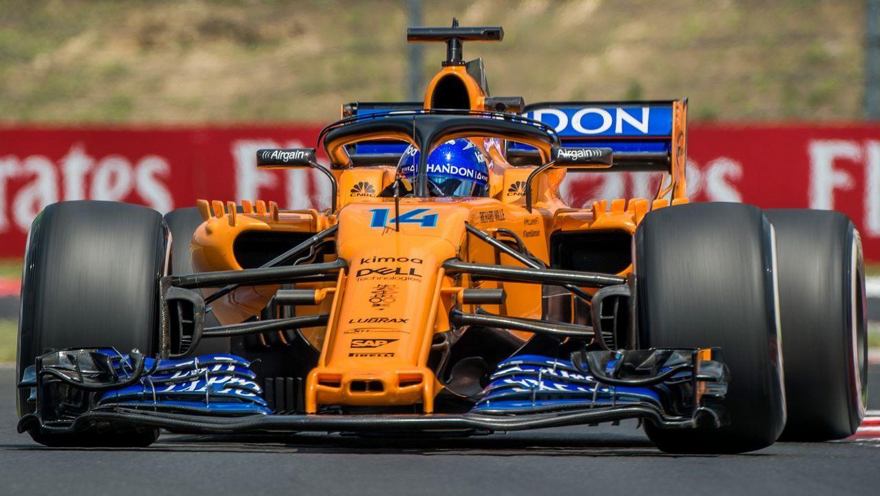 El piloto español Fernando Alonso, de McLaren, participa en la primera sesión de entrenamientos libres en el circuito Hungaroring en Mogyorod, noreste de Budapest (Hungría) hoy, 27 de julio de 2018. El Gran Premio de Hungría de Fórmula Uno se celebrará el próximo 29 de julio