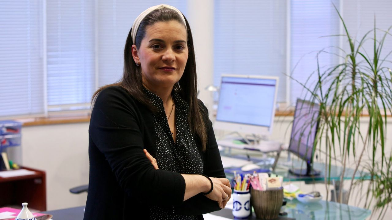 bao.En la imagen, Emma Rodríguez, decana de Enfermería y Podología