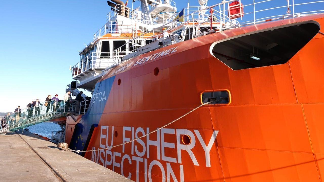 La Guardia Civil evitó un altercado entre percebeiros y bateeiros en A Barca de Muxía.El Lundy Sentinel, patrullero de la Agencia Europea de Pesca, detectó presuntas infracciones en el 55 % de sus inspecciones en el mar