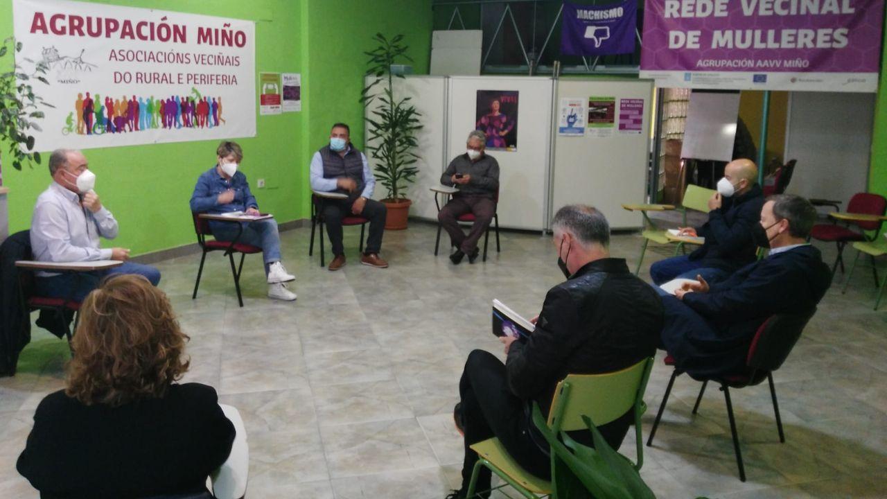 Reunión de la Agrupación Miño con representantes de la oposición