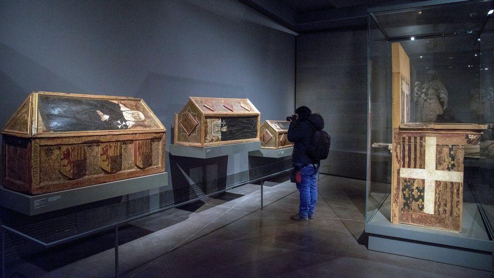 Las 43 obras de arte vuelven al Monasterio de Sijena.Mossos