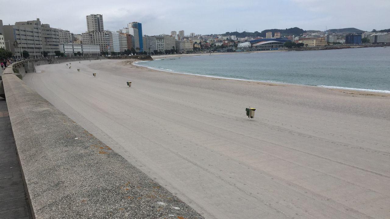 playas.Usuarios llegan a la playa de Rodiles