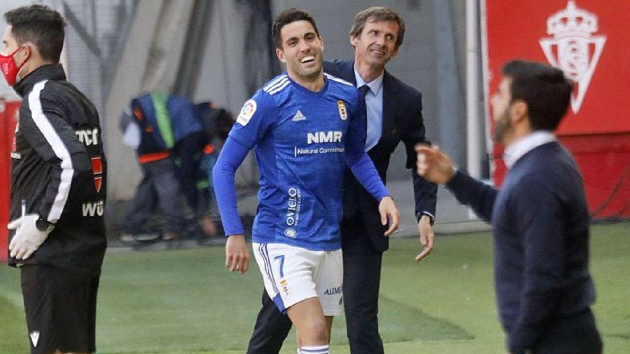 gol Johannesson Sporting Real Oviedo El Molinon derbi asturiano.Johannesson y Ziganda celebran el 1-0 ante el Sporting en el derbi