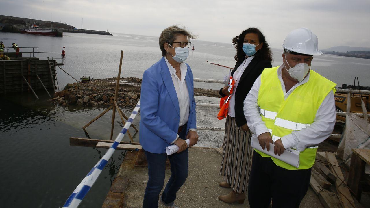Quintana y Lenguas también visitaron en Burela obras de Portos en los muelles