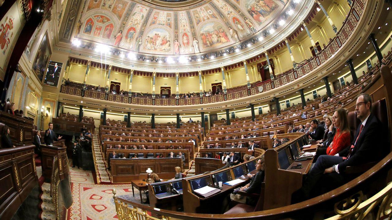 La oposición cuestiona los resultados del CIS.Ferran Bel