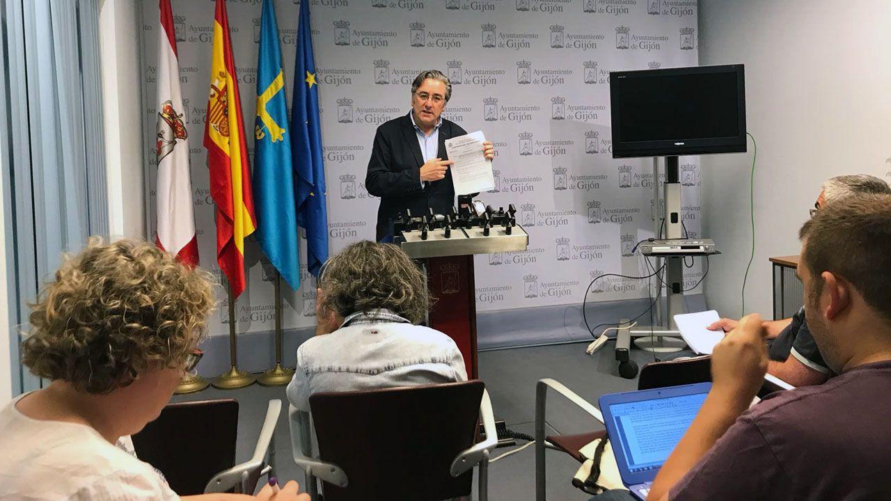 Los Locos esperan sitio en el callejero de Gijón.El portavoz del PP de Gijón, Pablo González