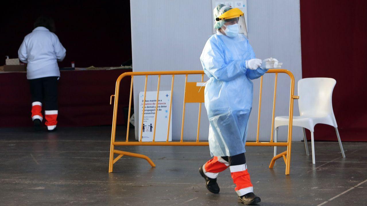 El covid auto del Recinto Ferial de Pontevedra es uno de los puntos donde se hacen pruebas PCR para diagnosticar casos de SARS-CoV-2 en el área sanitaria