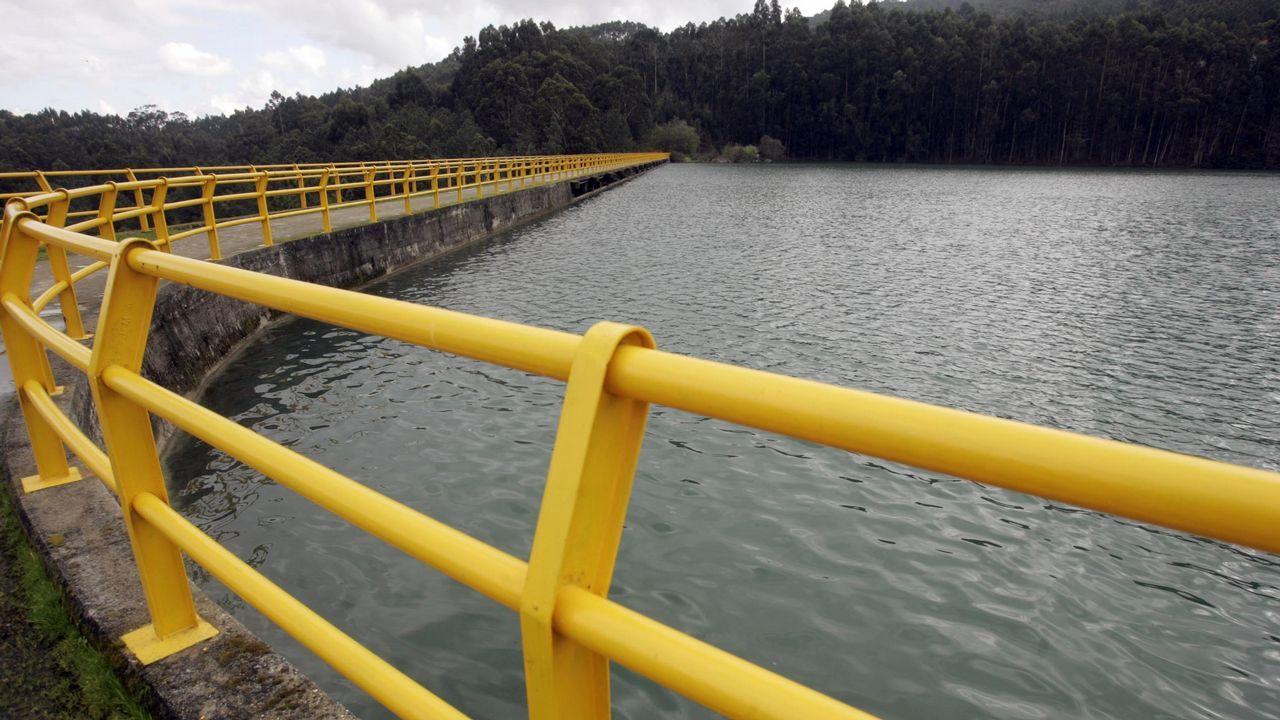 El temporal inunda Vimianzo y deja fuerte oleaje en la costa.En marzo de 2017 hubo intensas búsquedas para encontrar a Ramón López