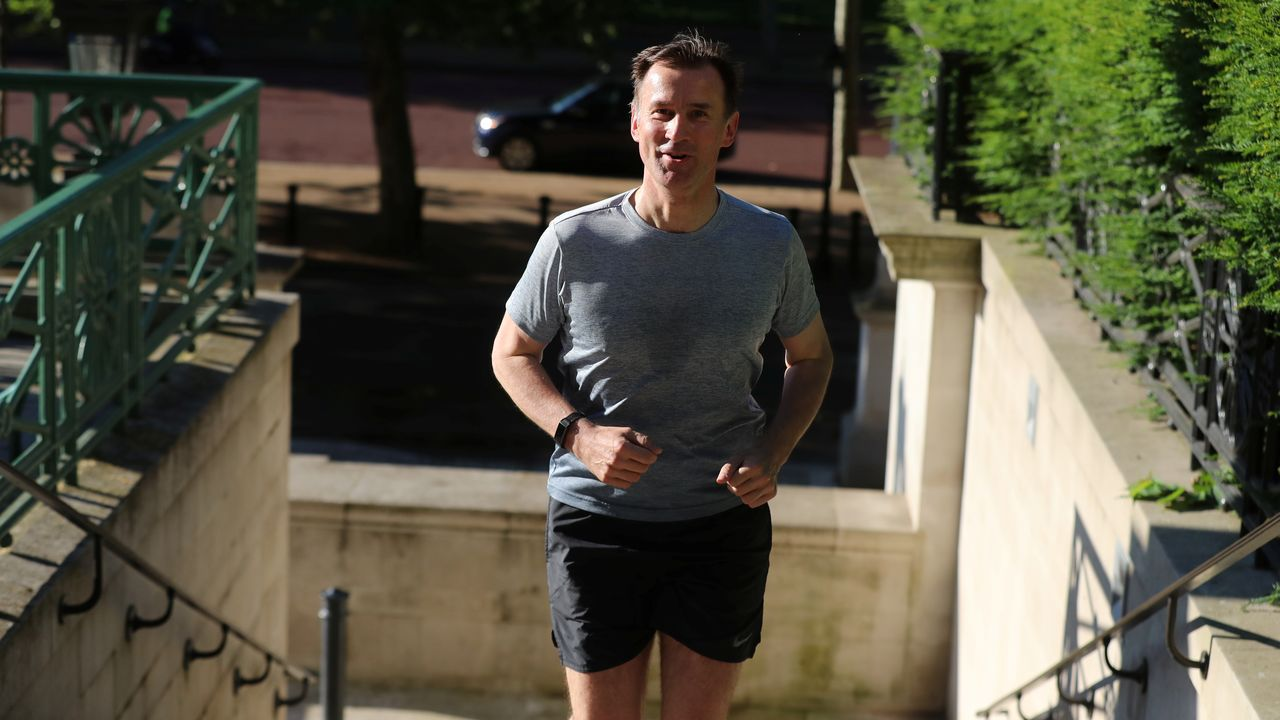 Jeremy Hunt, rival del favorito Boris Johnson, se prepara para la carrera sucesoria de Theresa May