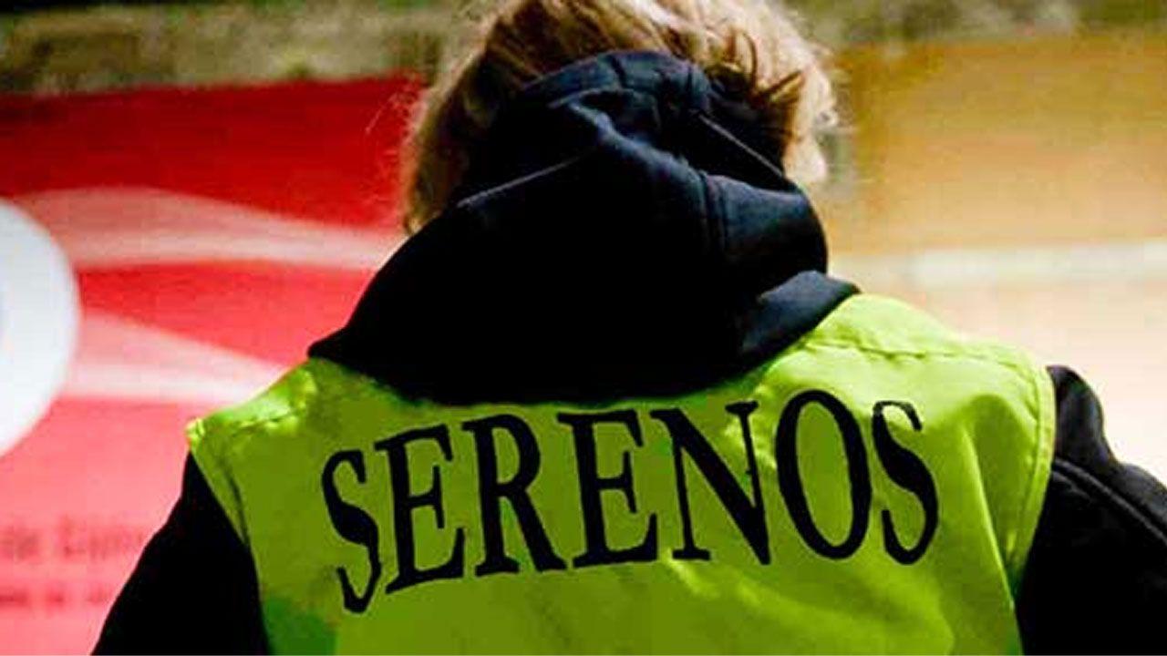 Una empleada del servicio de Serenos Gijón